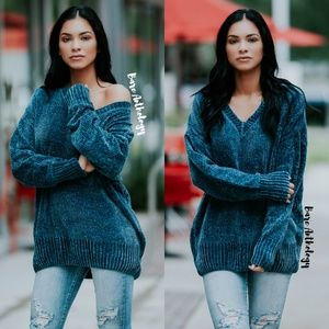 Sweaters - V-neck Oversized Chenille Sweater
